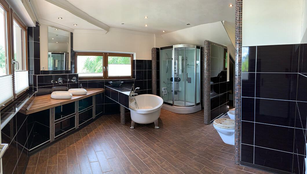 Lunz Immobilien Badezimmer Innenansicht